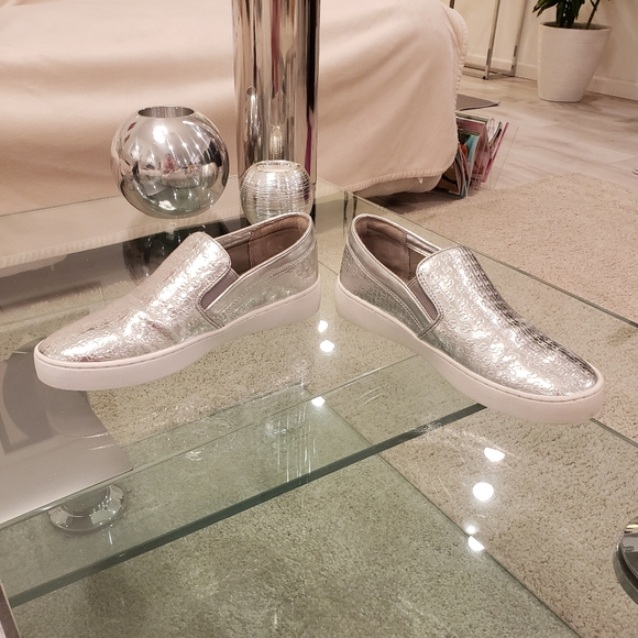 FLASH SALE-Michael Kors silver metallic loafers